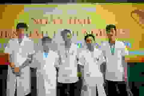 Bệnh viện Hữu nghị Lạc Việt nhiệt liệt hưởng ứng ngày hội hiến máu tình nguyện của ngành Y tế 2016