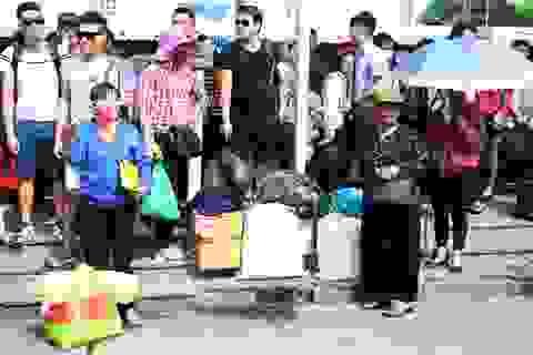 Hà Nội: Dòng người đổ về quê nghỉ lễ 2/9, bến xe chật cứng, giao thông ùn tắc