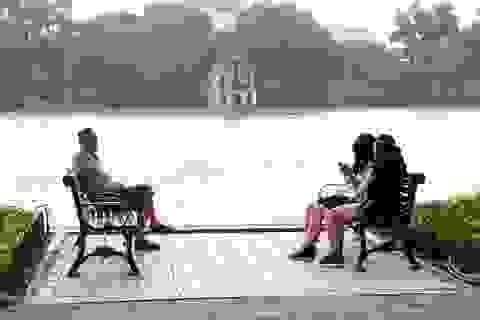 Hà Nội nắng đẹp, TPHCM mưa rải rác