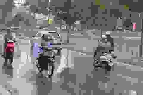 Chiều nay Hà Nội xuất hiện mưa rét, nhiệt độ xuống 15 độ C