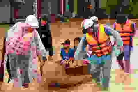 """Thủ tướng: """"Không để dân đói khát, bệnh tật vì mưa lũ"""""""