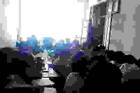 Tạm thời đình chỉ dạy văn tại lò luyện thi ê a ở Hà Nội