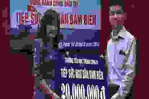 """Học sinh Hà Nội hăng hái tham gia """"Tiếp sức ngư dân bám biến"""""""