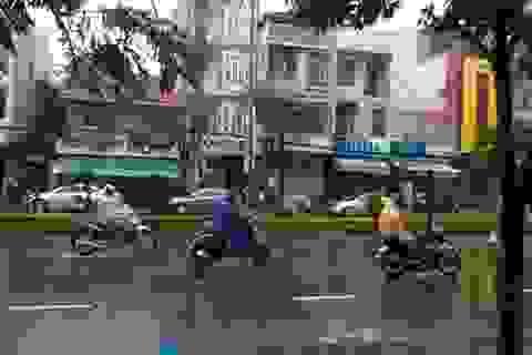 Bão Hagupit diễn biến nhanh, sáng sớm mai bão vào biển Đông