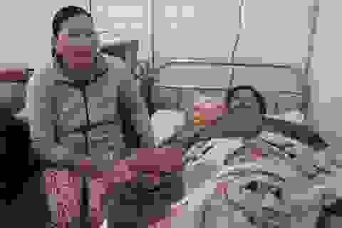 Khánh kiệt vì chồng bị tai nạn nằm liệt ở bệnh viện 5 năm trời