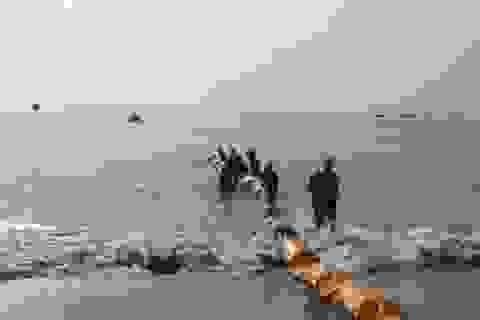 Giả định tình huống vỡ đường ống, một lượng dầu lớn tràn ra biển