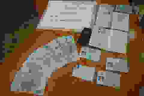 Bắt 2 đối tượng làm giả hộ chiếu đi nước ngoài