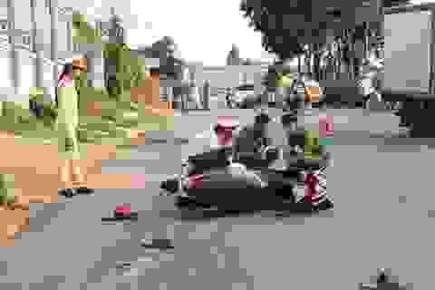 Xe máy tông nhau trực diện, 2 người thương vong
