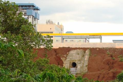 Tràn kiềm tại nhà máy alumin: Hàm lượng kim loại trong nước suối vượt chuẩn