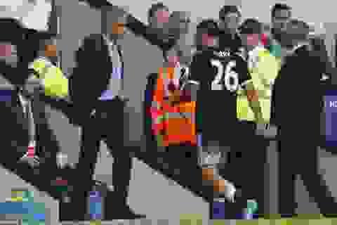 """Mourinho """"né"""" trả lời về chiếc thẻ đỏ của Terry"""