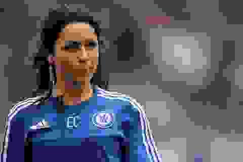 Nữ bác sĩ xinh đẹp Carneiro  thôi việc ở Chelsea