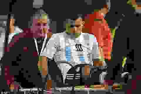 """Man City gặp họa: Aguero, David Silva """"rủ nhau"""" chấn thương"""