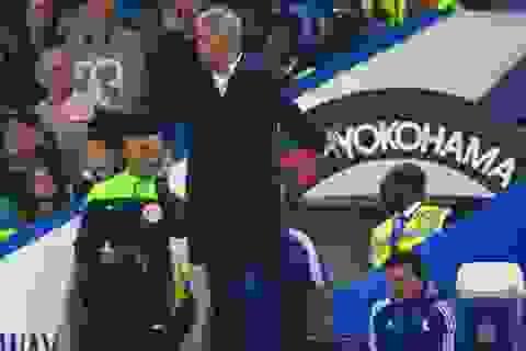 """""""Thách"""" FA trừng phạt, Mourinho gặp họa"""