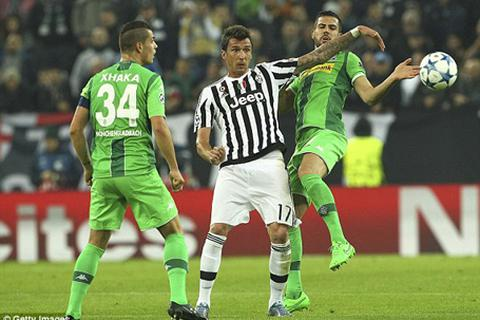 Rơi điểm trước đội cuối bảng, Juventus bị Man City áp sát