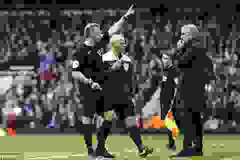 Mourinho đối diện với án phạt cực nặng