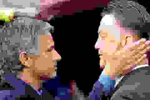 Mourinho đạt thỏa thuận ngầm thay thế Van Gaal