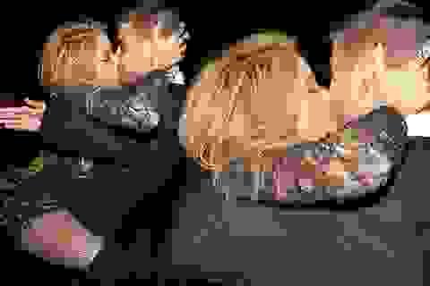 Cặp đôi Pique - Shakira bị tống tiến clip nhạy cảm