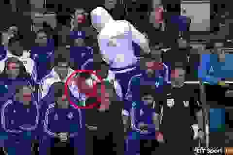 """Diego Costa: """"Tôi đã sai khi ném áo vào Mourinho"""""""