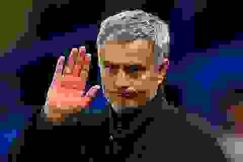 """Mourinho: """"Tôi thấy có lỗi với cổ động viên"""""""