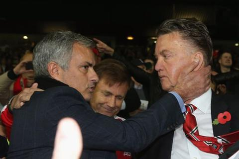 Mourinho chấp nhận giảm nửa lương để dẫn dắt MU