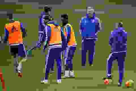 Những vấn đề Guus Hiddink cần giải quyết ở Chelsea