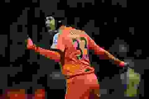 Petr Cech đi vào lịch sử Premier League