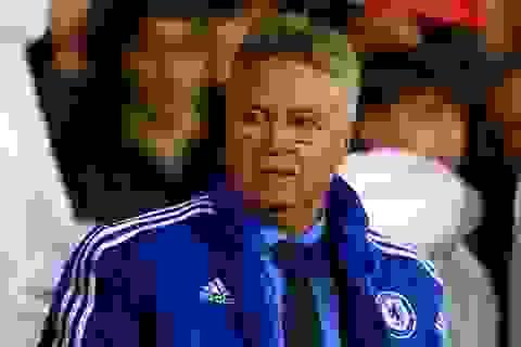 """Mourinho ra đi, Wenger đã hết """"sợ"""" Chelsea?"""