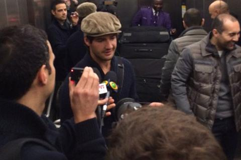 Tới Chelsea, Pato nhận lương bèo bọt