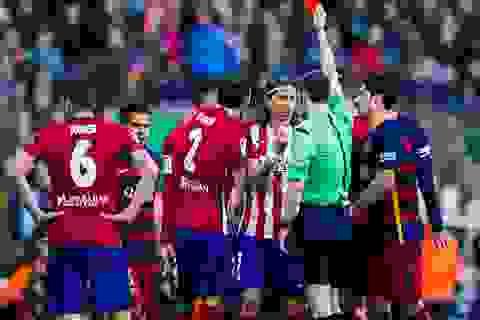 """Christian Vieri: """"Đạp Messi, Filipe Luis đáng bị treo giò 10 trận"""""""