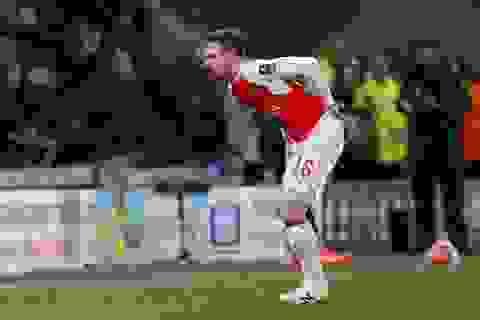 Aaron Ramsey nghỉ hết mùa, Arsenal âu lo