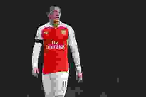 Mesut Ozil quyết rời Arsenal nếu HLV Wenger còn tại vị