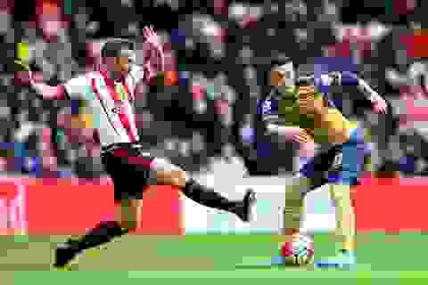 Mesut Ozil lập kỷ lục mới trong ngày buồn của Arsenal