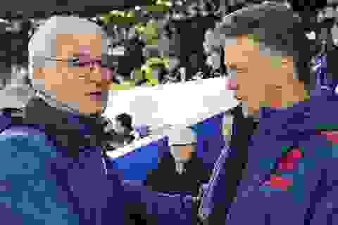 """Van Gaal """"ghen tỵ"""" với Leicester City"""