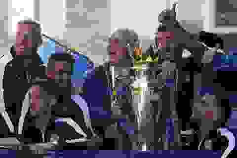 Ranieri nhận giải HLV xuất sắc nhất Premier League