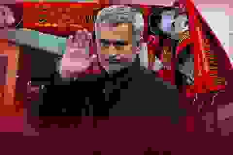 Mourinho đồng ý hợp đồng cá nhân với MU