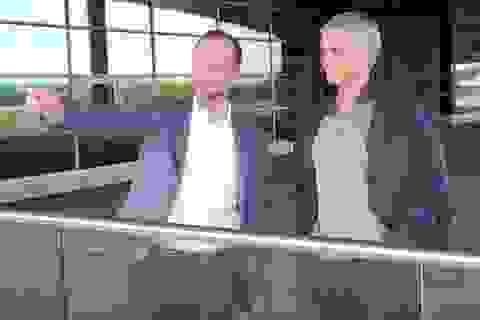Mourinho diện kiến huyền thoại Bobby Charlton