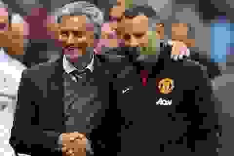 """Mourinho muốn """"đá bay"""" Ryan Giggs khỏi MU"""