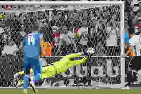 Mesut Ozil lập kỷ lục không mong muốn ở trận đấu với Slovakia