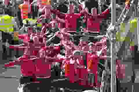 200.000 người xứ Wales tái hiện lại màn vỗ tay theo kiểu Viking