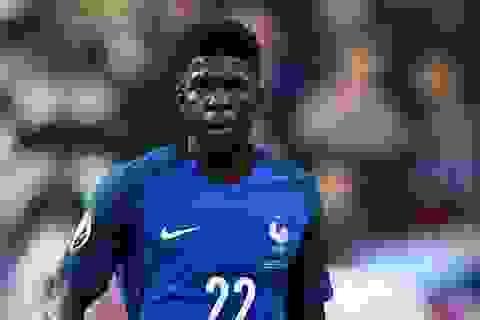 Barcelona chính thức sở hữu trung vệ đội tuyển Pháp
