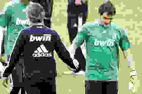 """Schweinsteiger và những """"nạn nhân"""" bị Mourinho trù dập"""