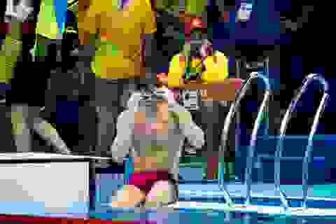 """Công việc """"nhàn hạ"""" nhất Olympic 2016: Nhân viên cứu hộ môn bơi"""