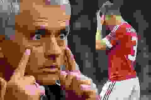 HLV Mourinho nổi giận vì Schweinsteiger nhất quyết không ra đi