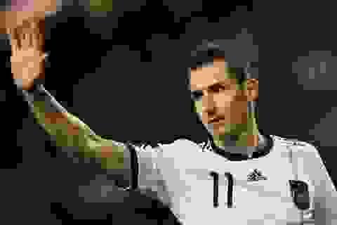 Tiền đạo Miroslav Klose chính thức giải nghệ