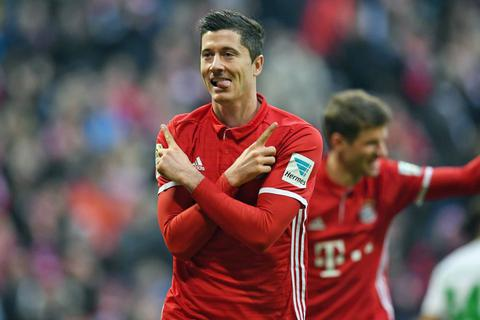 Bayern Munich vùi dập Wolfsburg, Dortmund gây thất vọng lớn