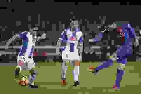 Ngả mũ trước pha đột phá ngoạn mục của Messi ở trận gặp Espanyol