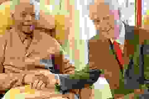 """Cựu Tổng thống Nam Phi Mandela """"sống thực vật"""""""