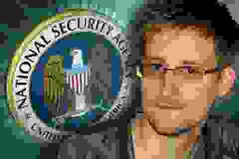 Mỹ gây sức ép sau khi Nga cho Snowden rời sân bay