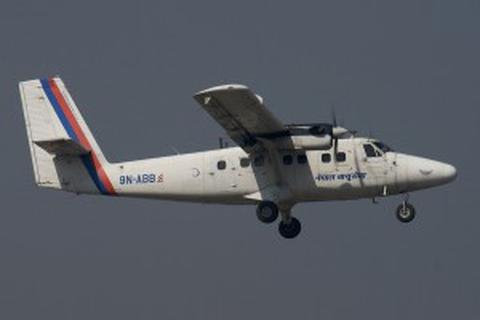 Máy bay chở khách gặp nạn ở Nepal, 18 người có thể đã chết