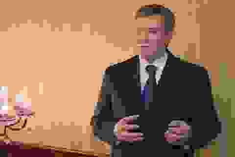 Xe chở Tổng thống Ukraine bị trúng đạn